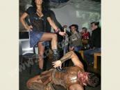 Striptér byl opíchaný celebritou, diváci sledovali pánský striptýz