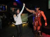 Striptér překvapení, pánský striptýz objednat jako dárek k narozeninám. Známé osobnosti se účastnili erotické párty.